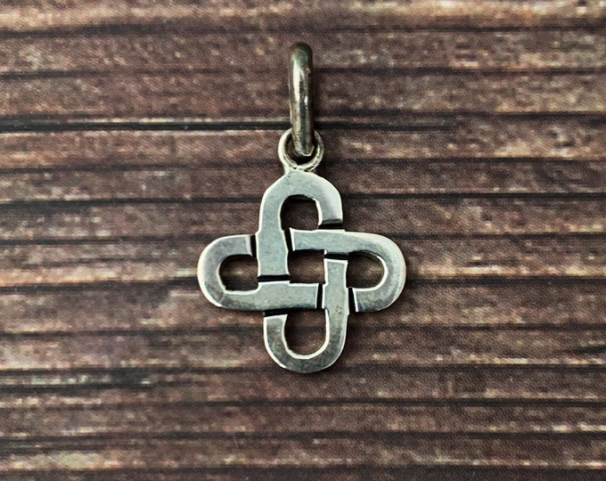 22 Inches Jewelry Gift Azaggi 925 Polished Sterling Silver Celtic Cross with .05 Carat Diamond Pendant Necklace