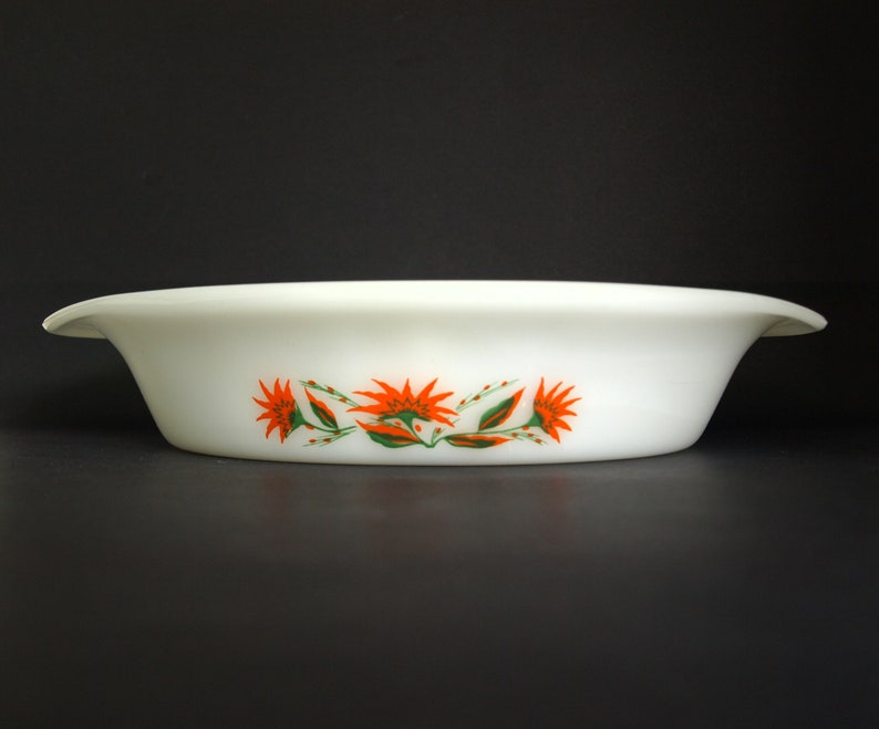 Agee Crown Pyrex Orange and Green Flowers Divided Dish Made in New Zealand Vintage Retro Gumnut Blossom Serving Dish