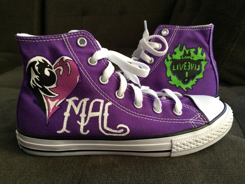 400247dac028 DESCENDANTS Converse Shoes Mal