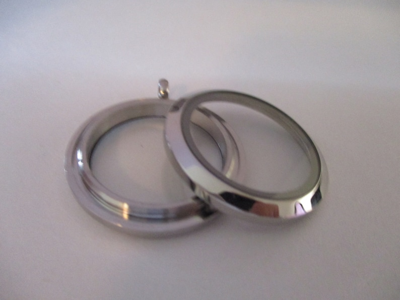 30mm Stainless Steel Memory Locket no Crystals
