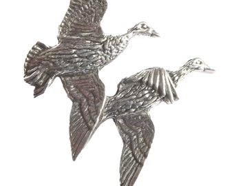 Pair Of Ducks Y38 On A Pair of Cufflinks With A Tie Slide Set Made From English Modern Pewter