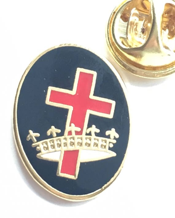 Gift Bag Templar Cross Handcrafted in English Pewter Lapel Pin Badge