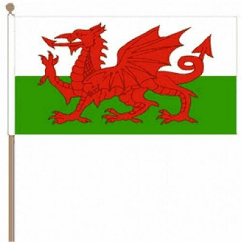Wooden Table Desk Flag Set Union Jack /& Wales Friendship Flags 9 x 6