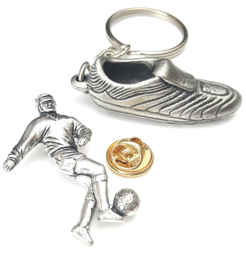 TSB-S4 Football World Cup Sports Gift Set Handcrafted From English Pewter Key Ring KR824 Pin Badge