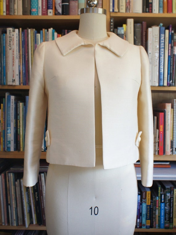 Cream Peter Pan Collar VINTAGE Jacket