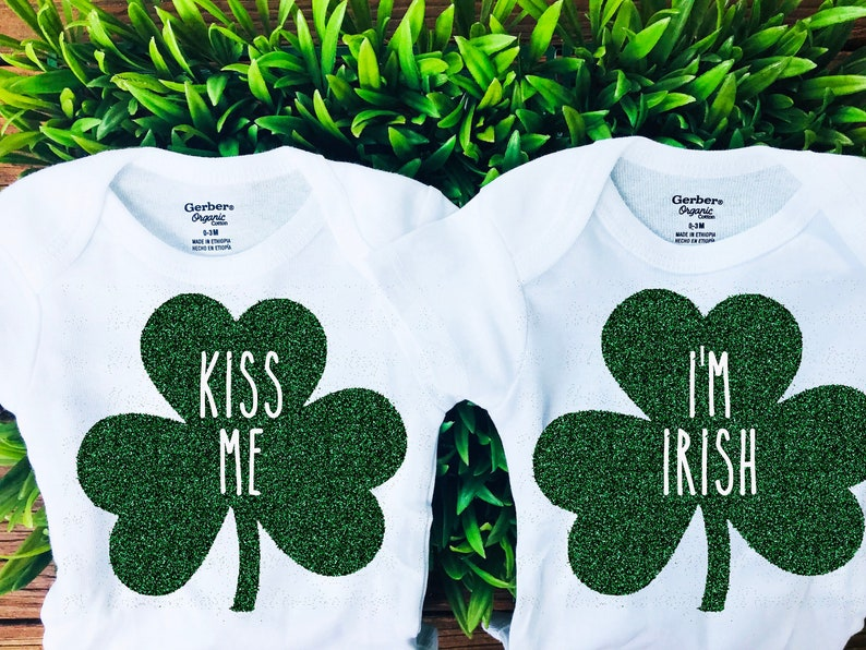 Irish St Patricks Day Lucky Boy Girl Outfit Kiss Me I/'m Irish Lucky Twin Baby Outfit Onesie Patrick Day Twin Outfit Onesie Twin St