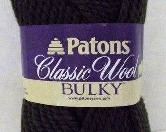 Patons Classic Wool Bulky ~ 100% Wool ~ Green ~ #5 Bulky ~ 3.5 oz/100 grams