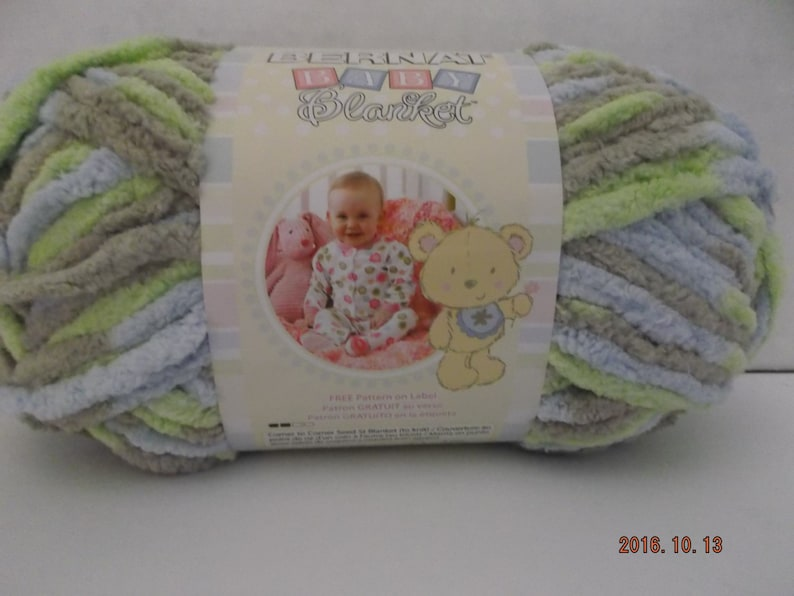 Bernat Baby Blanket Yarn ~ Colour # Little Boy Dove ~ 100 Grams/3 5 ounces  ~ 72 Yards ~ #6 Super Bulky
