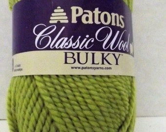 Patons Classic Wool Bulky ~ 100% Wool ~ Spring Green ~ #5 Bulky ~ 3.5 oz/100 grams