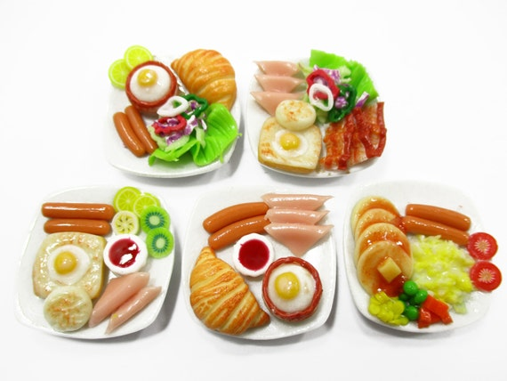Dollhouse Miniature Food 5 Ceramic Plates Breakfast Sausage Ham Egg Supply 13745
