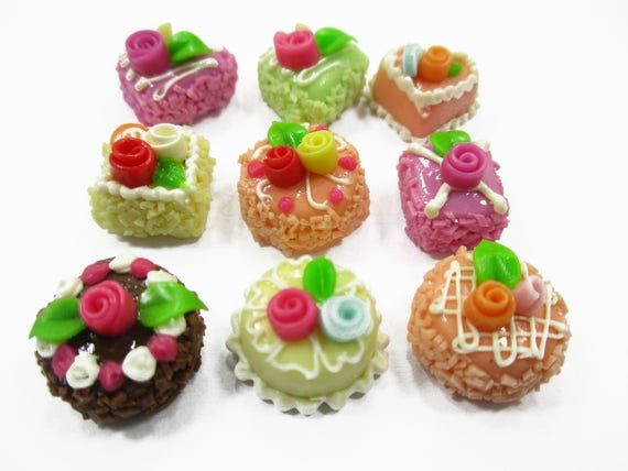 Dollhouse Miniature 2 Pink Cakes Rose Top Bakery Art Food Supply Décor 20 mm