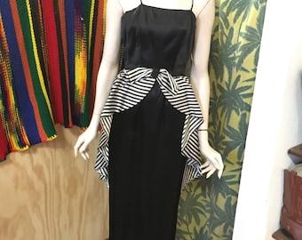 Vintage elegant sheath dress// bow with flowing striped fabric