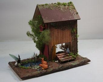 Miniature Free Range Chicken Coop