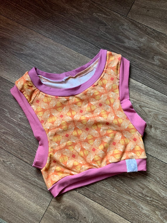 Small Sunny Batik yoga crop (Best fits up to a size B cup)