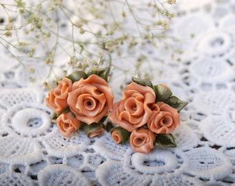Wedding earrings Roses Bridal earrings Rose Flower bridesmaid earrings Pink earrings Bridal earrings Pale pink earrings Stud earrings rose