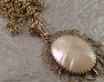WHITING DAVIS Necklace Mother of Pearl