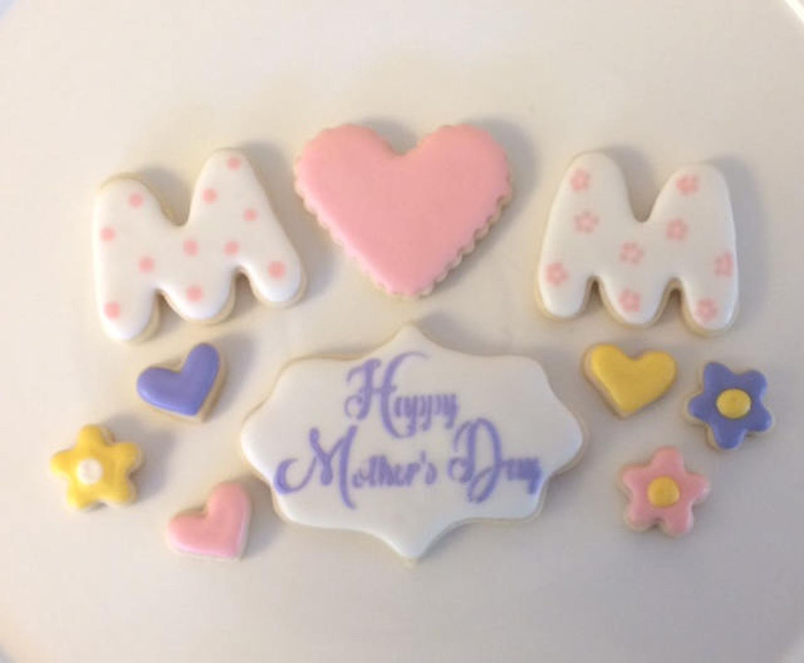 Flowers and Hearts Mothers Day Cookies