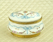 Antique Sevres hand painted French porcelain jewelry ring casket, dresser trinket box, white, blue enamel and gold, gilt, ormolu hinged lid
