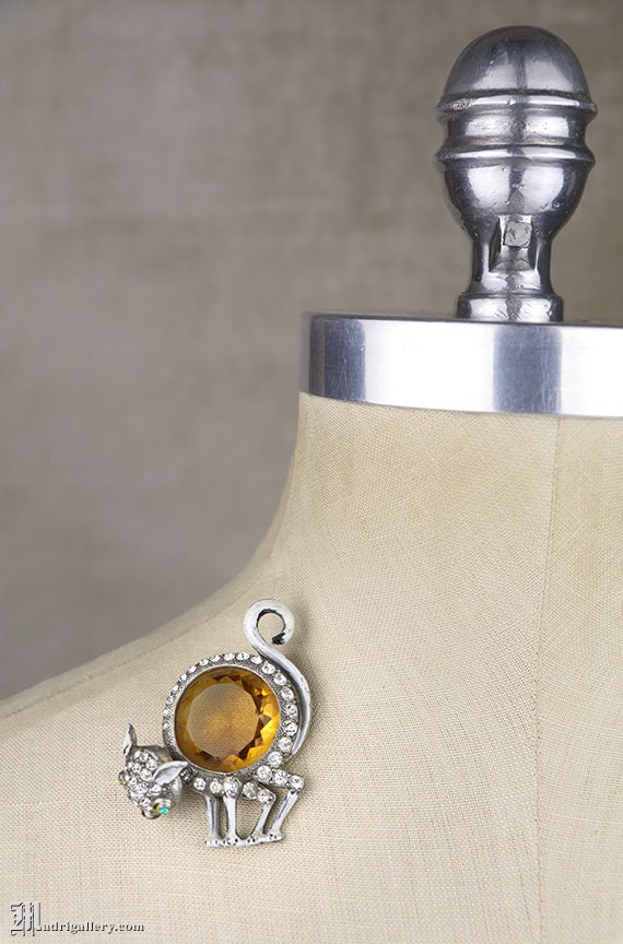 Vintage Cat Ornate Rhinestone Silver Plated Brooch Pin