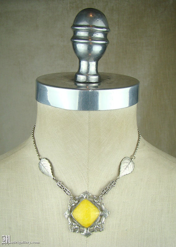 1920s art deco necklace, canary yellow art glass a