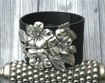 1 Black Suede Rhinestone Bangle Bracelet Nb8 Perfect In Workmanship Costume Jewellery