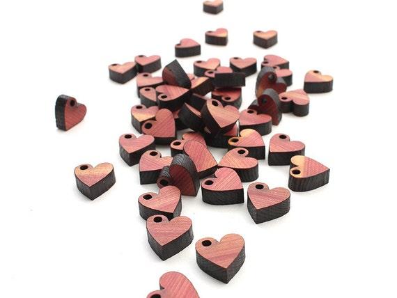 Petites coupes-circuit de Mini coeur charme fabriqués à partir de bois de cèdre aromatique - Itsies de l'atelier de pins niché