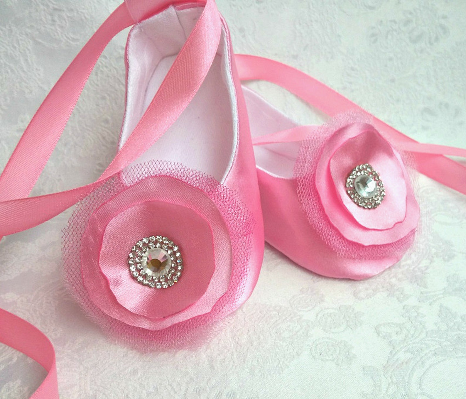 baby flower pink shoes with a sparkly rhinestone, wedding shoes, satin ballet flats, infant crib booties,toddler satin slippers,
