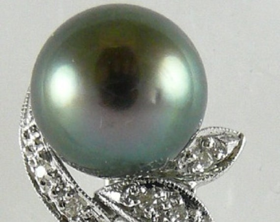 Tahitian Black 10.9mm Black Pearl Pin 18k White Gold with Diamonds 0.19ct