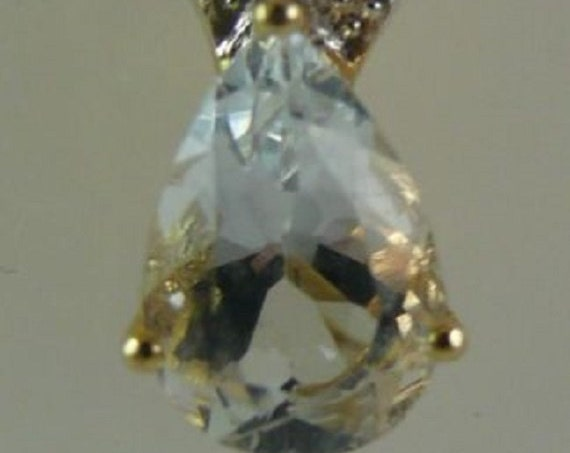 Aquamarine 1.05 ct Pendant with Diamonds 0.06ct 14k Yellow Gold