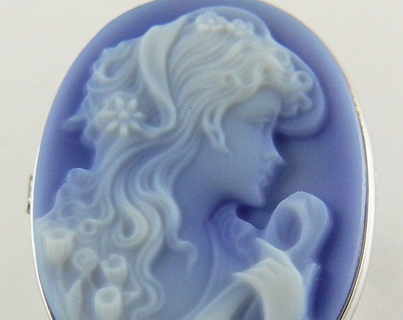 Cameo Blue Agate Lady Face 25.0mm x 18.1mm Ring 14k White Gold