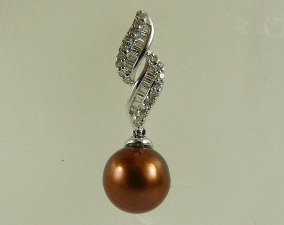 Chocolate 9.5mm Pearl Pendant 14k White Gold and Diamonds 0.30ct