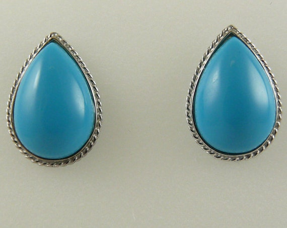 Reconstituted Turquoise 14.7 mm x 9.8 mm Earring 18k White Gold