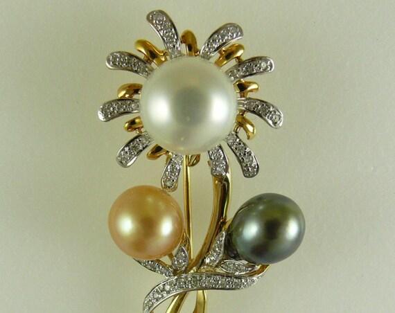South Sea Multi-Colored Pearl Pin 14k Yellow Gold and Diamonds 0.37ct