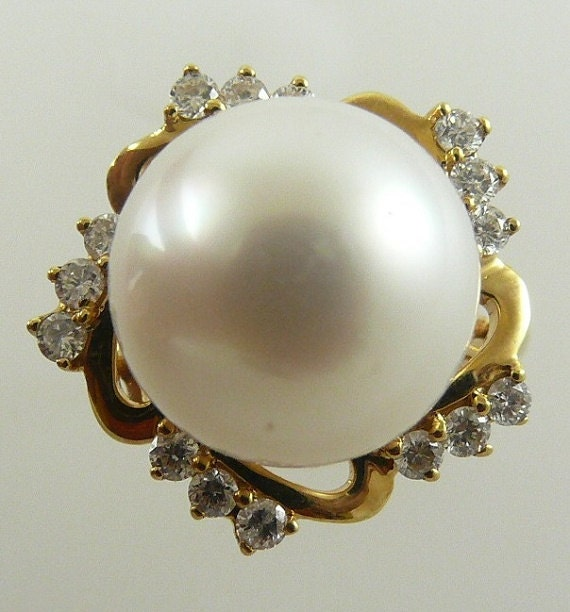 South Sea White 12.1mm Pearl Ring 18KY Gold & Diamonds 0.34ct, Size Selectable