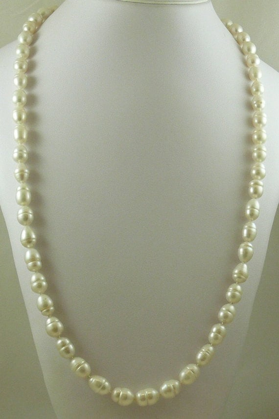 """Freshwater White 9.7mm x 9mm - 13.3mm Baroque Pearl Necklace 14KY Gold Lock 33"""""""