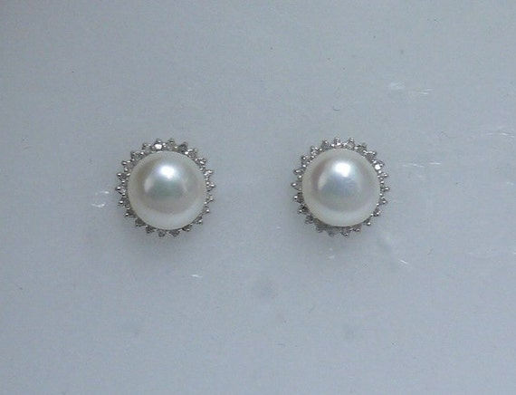 Freshwater White Pearl Earrings with 14k White Gold and Diamonds 0.22ct