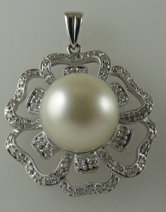 South Sea White 12.3mm Pearl Pendant 18k White Gold & Diamonds 0.44ct