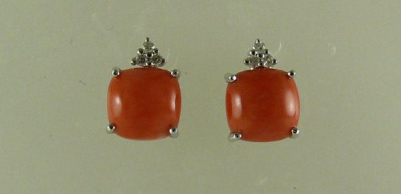 Coral Earring, 14k White Gold & Diamonds 0.08ct