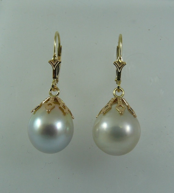 South Sea White Pearl Earring 14K Yellow Gold Lever Back