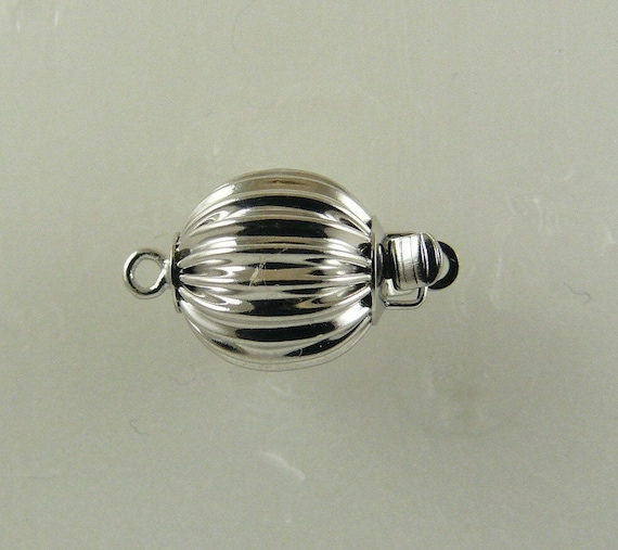 14K White Gold 10 mm Ball Clasp