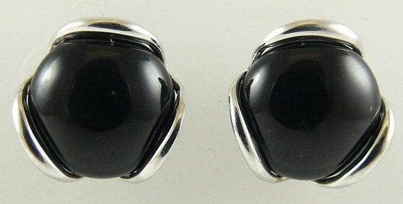 Black Onyx 9.5 mm Earring 14k White Gold