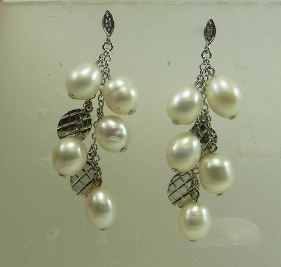 Freshwater White Pearl Earring with Diamonds 0.02ct 14k White Gold