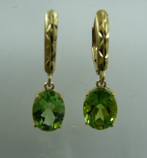 Peridot Earring 14k Yellow Gold Lever Back