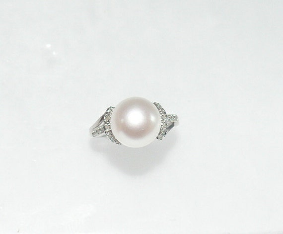 Freshwater White 10.4 mm Pearl Ring with Diamonds 14k White Gold