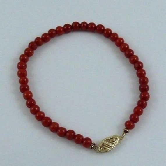 Italian Coral Bracelet with 14k Yellow Gold Clasp 7 Inches