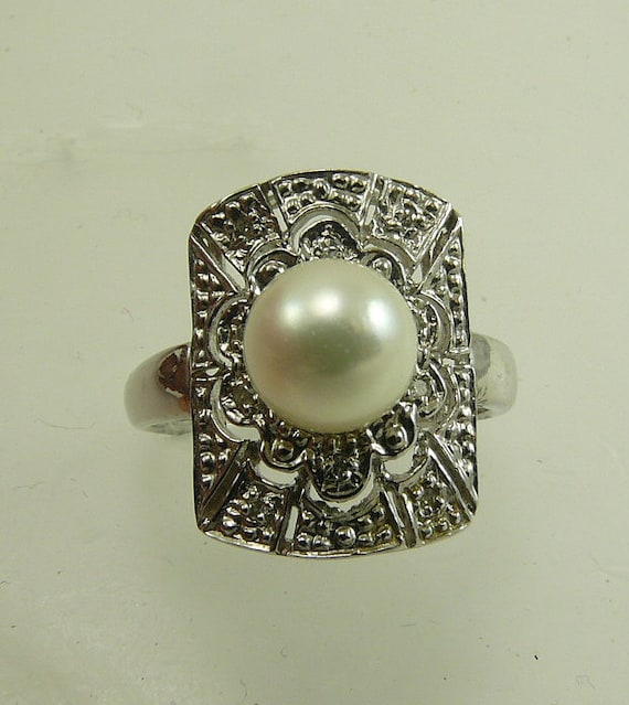 Akoya White 7.3mm Pearl Ring 14k White Gold with Diamond 0.06ct