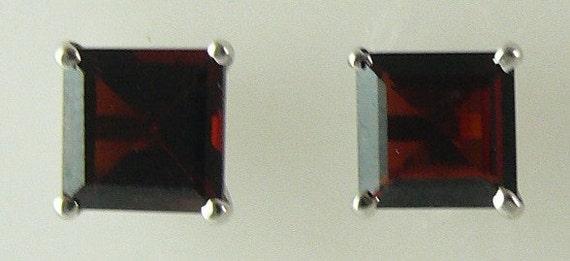 Garnet Earring 3.45ct 14k White Gold
