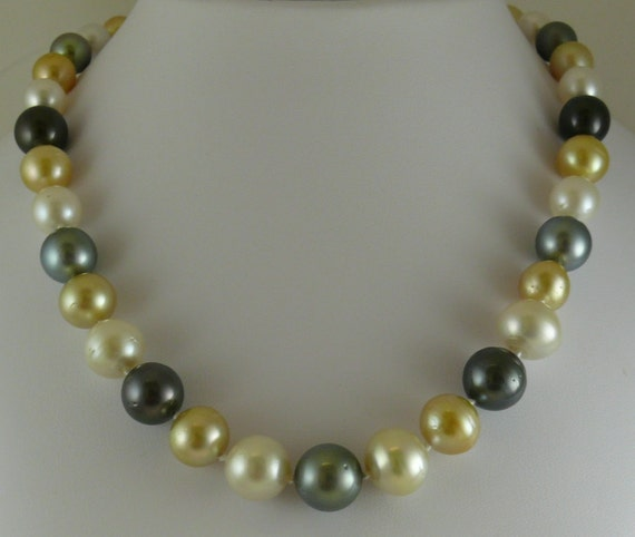 South Sea Multi-Color 10.1 mm x 10.0 mm Pearl Necklace 14k White Gold Clasp