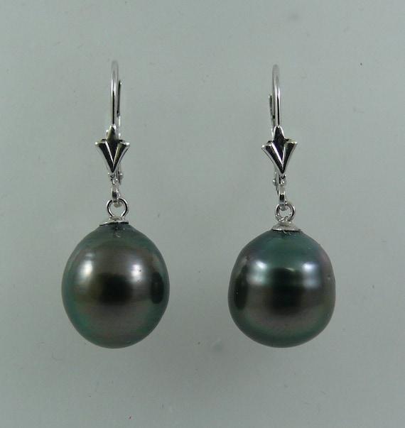 Tahitian Black Pearl Earring 14K White Gold Lever Back