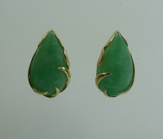 Green Jade Earring 14k Yellow Gold